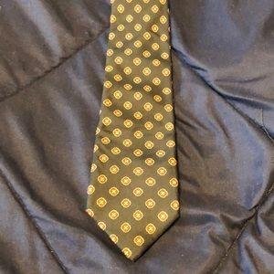 Paul Stuart, Hand made, 100% Silk Necktie.